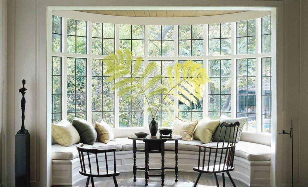 Заменить треснувшее стекло в окне/дверях и поднять настроение