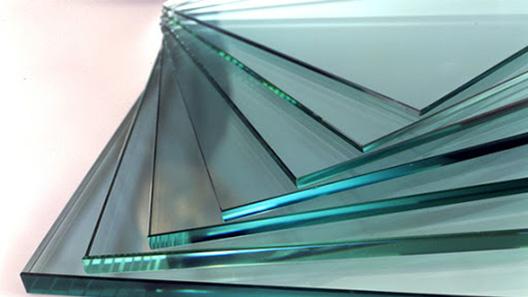 Какая толщина стекла лучше: что выбрать для окна и межкомнатных дверей