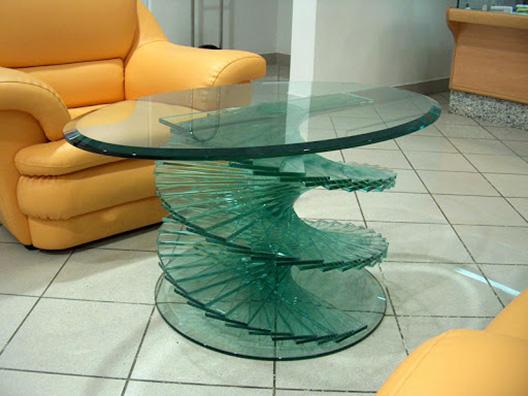 Мебель из прочного стекла